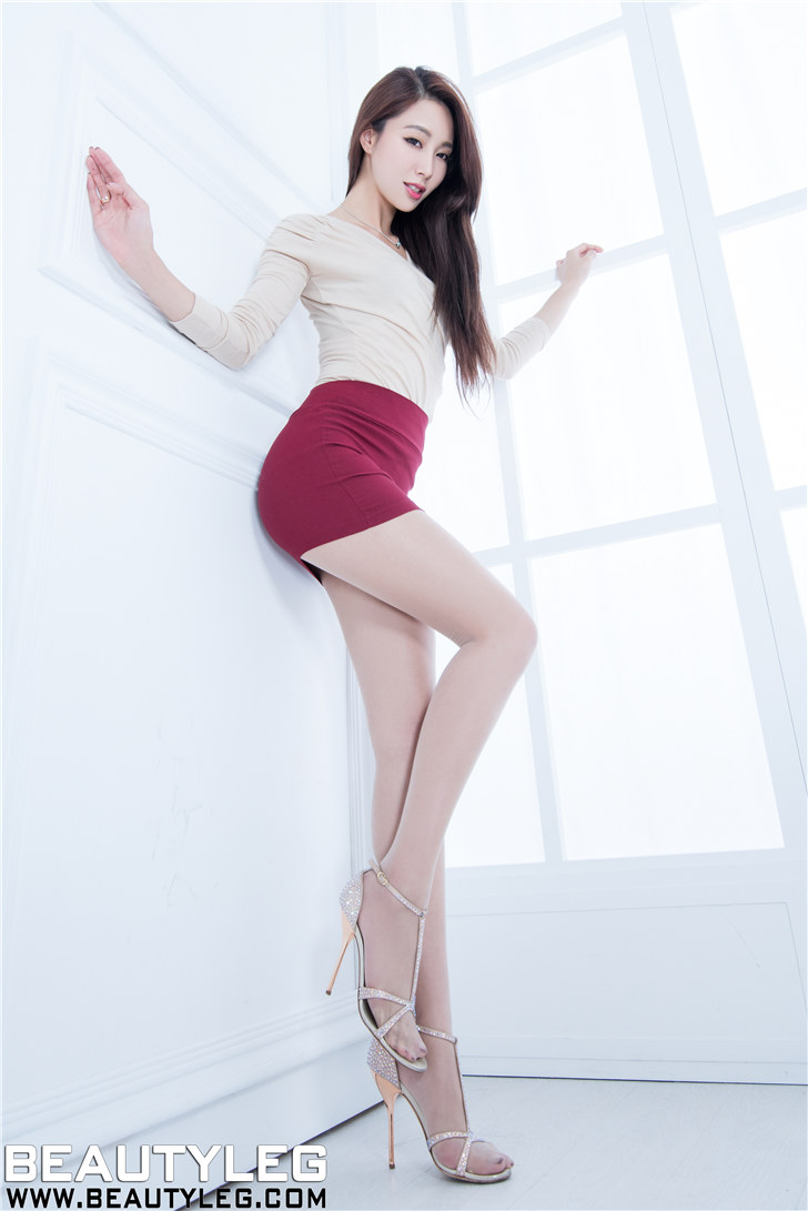 丝袜美眉_Beautyleg美腿寫真台湾丽人肉色丝袜高跟美女-美腿丝袜 – AVNY